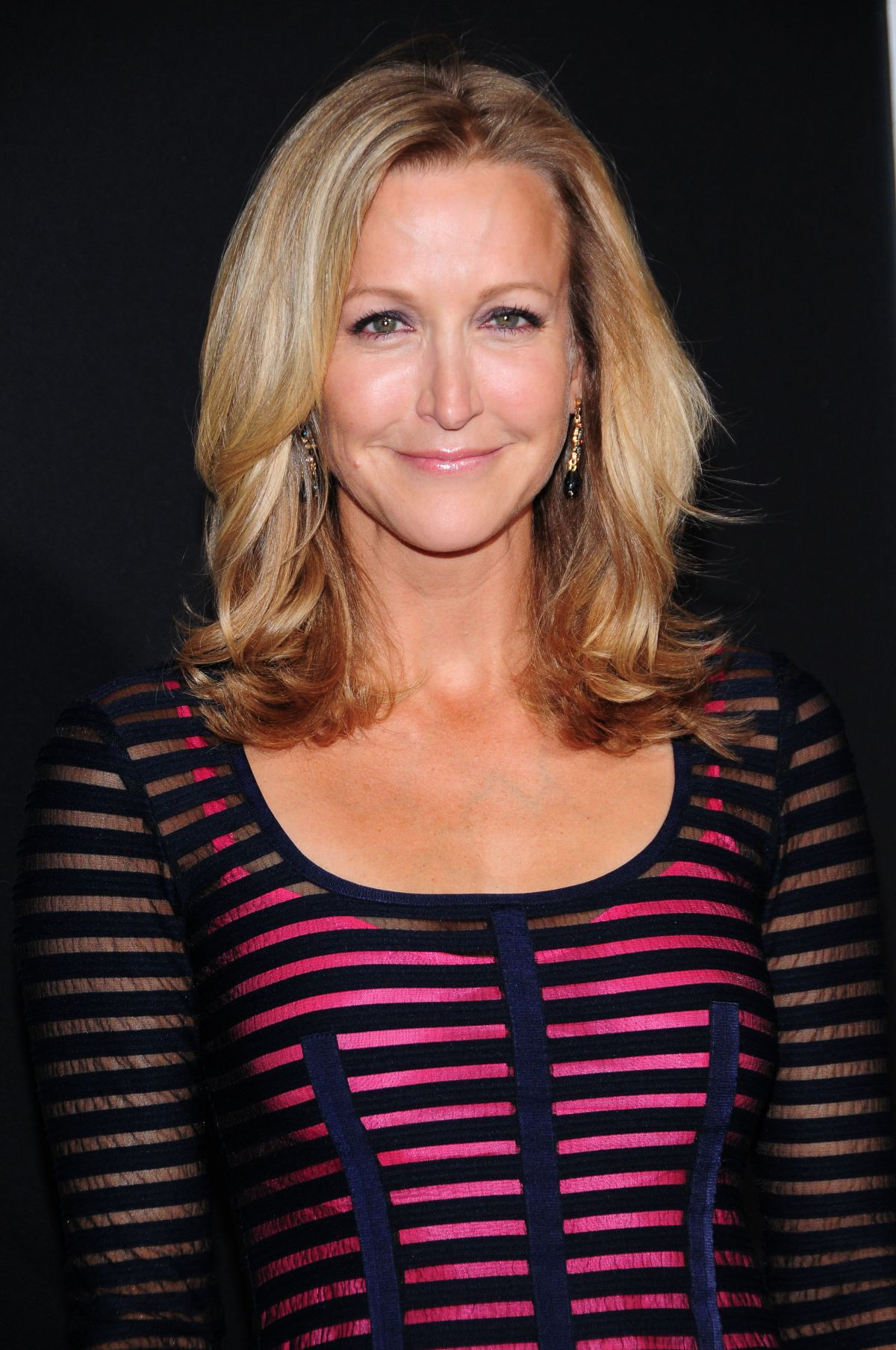 Lara spencer at gravity premiere in new york city