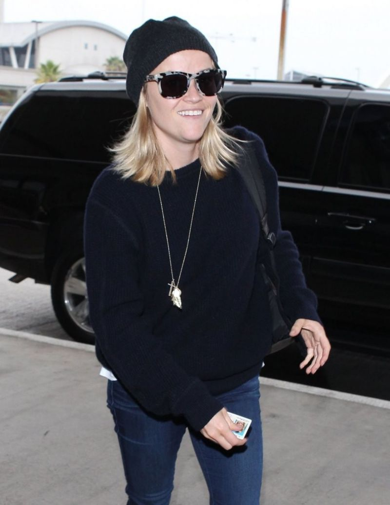 Reese Witherspoon Departing On A Flight At LAX
