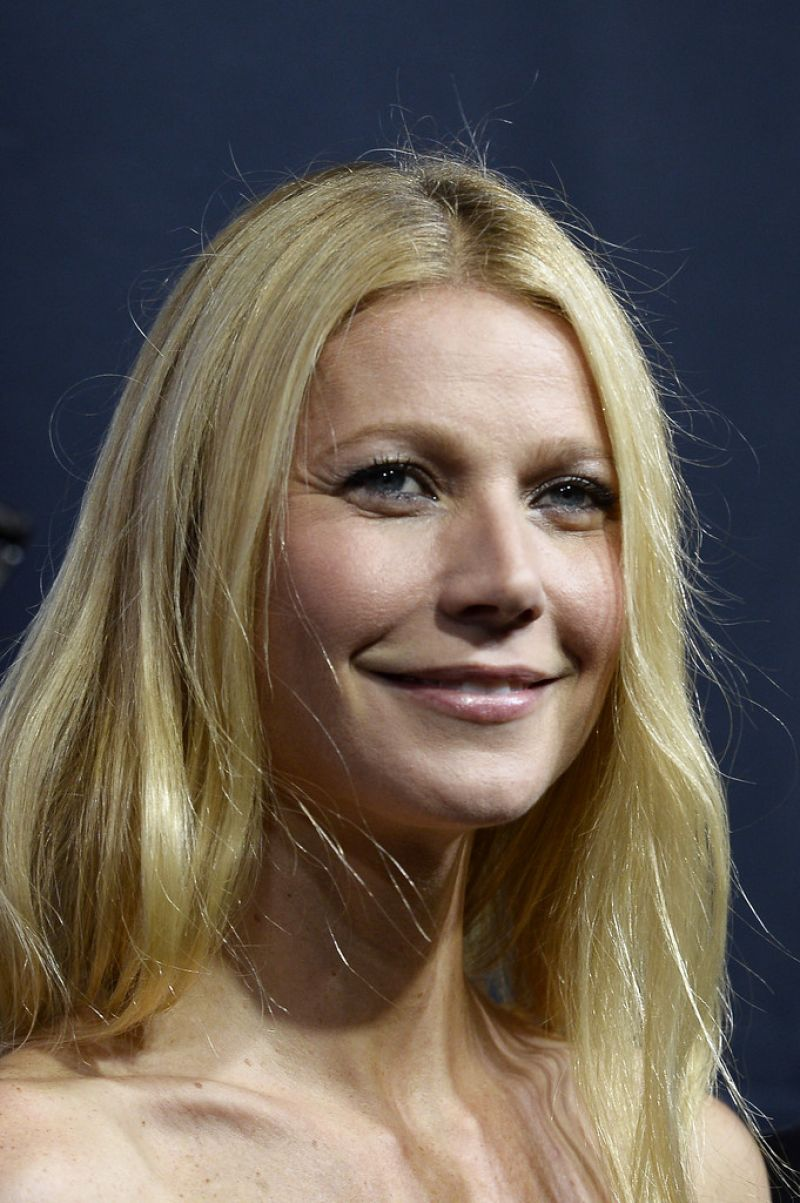 Gwyneth Paltrow At The Printemps Christmas Decorations Inauguration In Paris