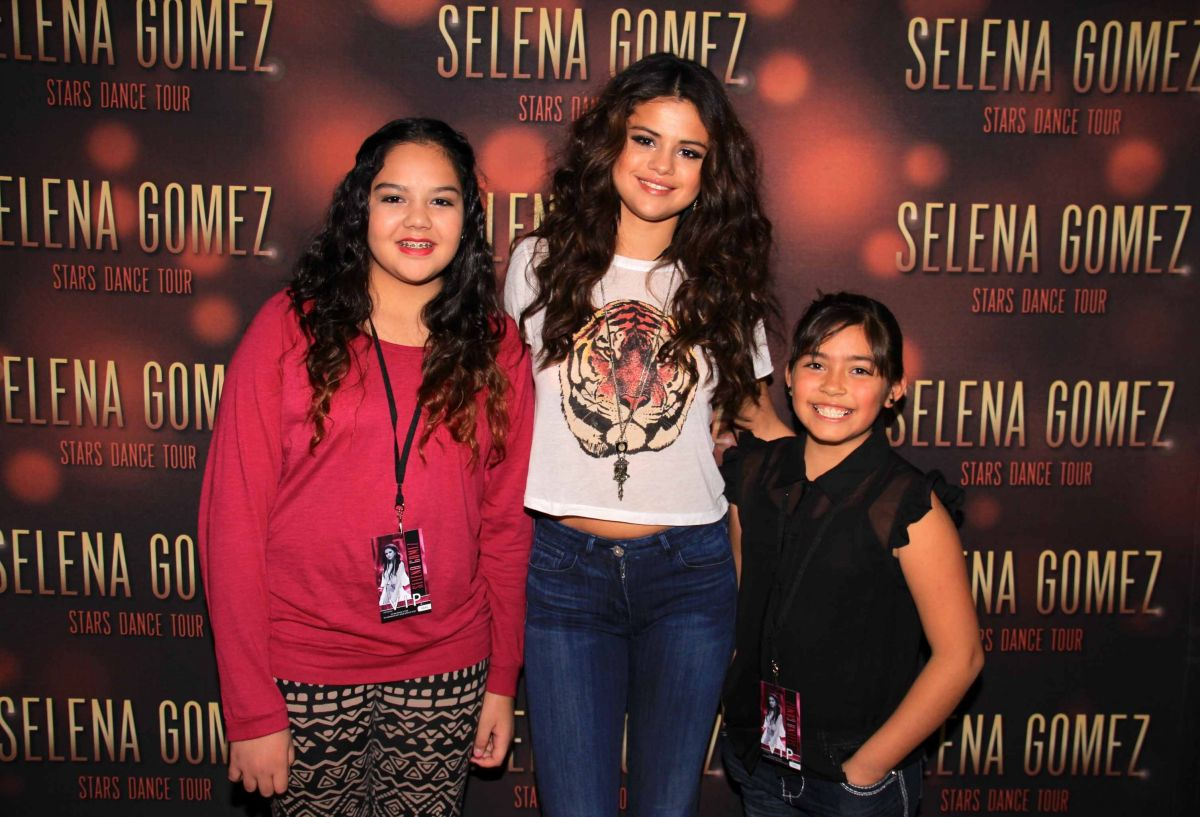 Selena Gomez At Stars Dance Tour Meet Greet In Broomfield