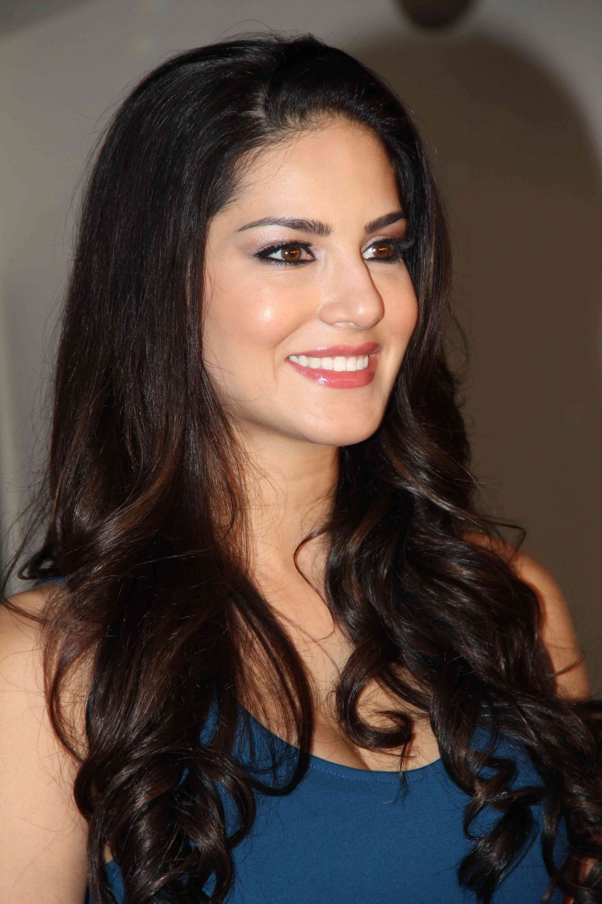 Sunny Leone Fillming MTV India