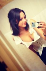 Elizabeth Gillies Twitter And Personal Pics