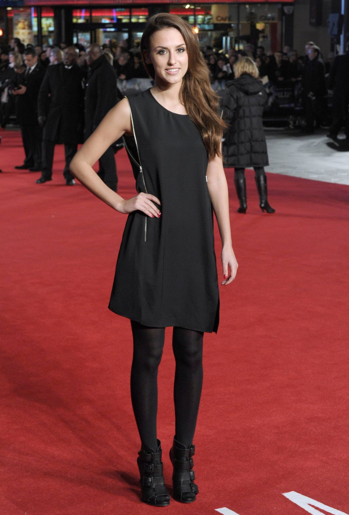 Lucy Watson At Uk Premiere Of Jack Ryan Shadow Recruit At Vue Leicester Square Celebzz Celebzz