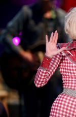 Miley Cyrus At MTV Unplugged In Hollywood New Adds