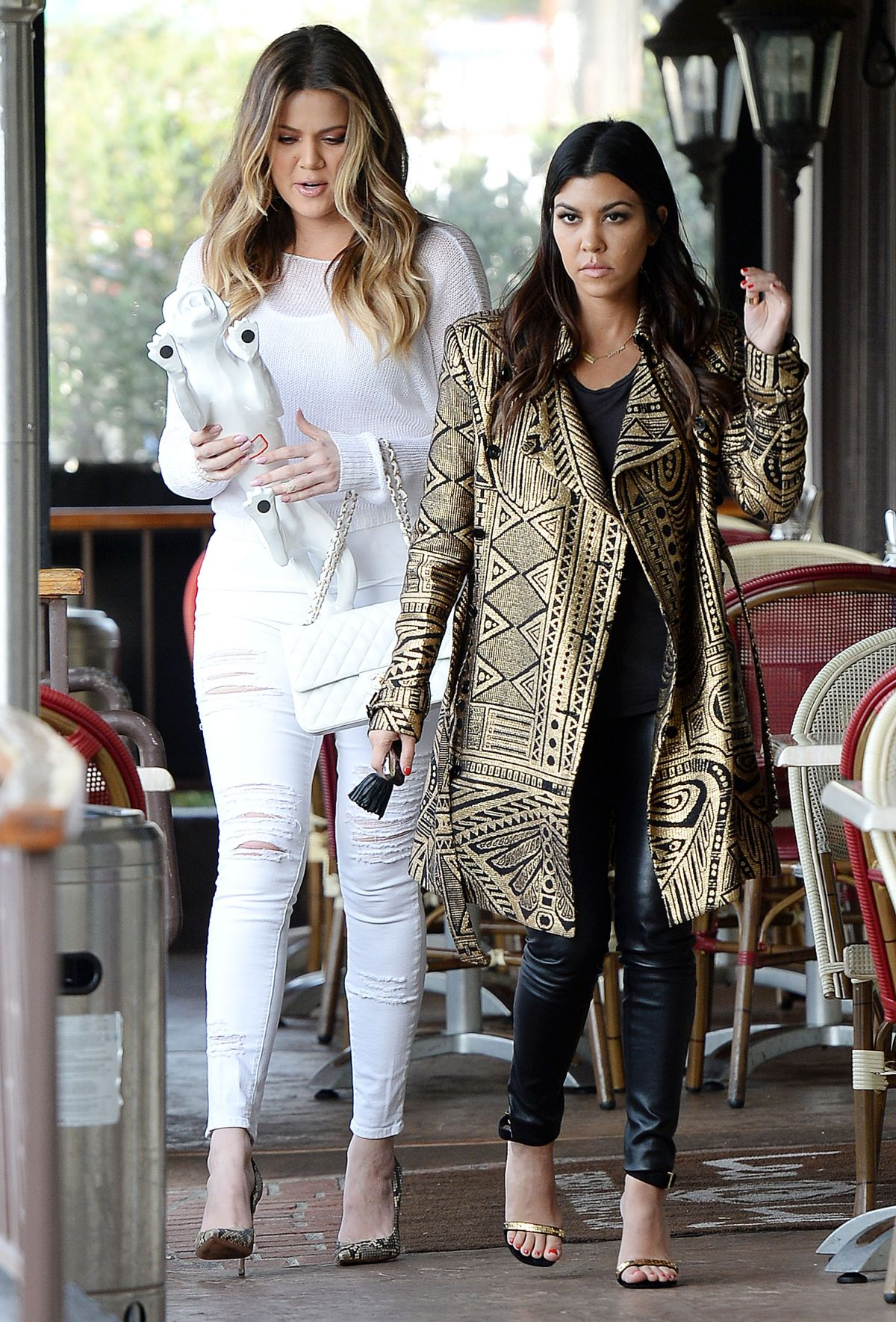 Khloe Kardashian And Kourtney Kardashian Filming At Leo&Lily In Woodland Hills