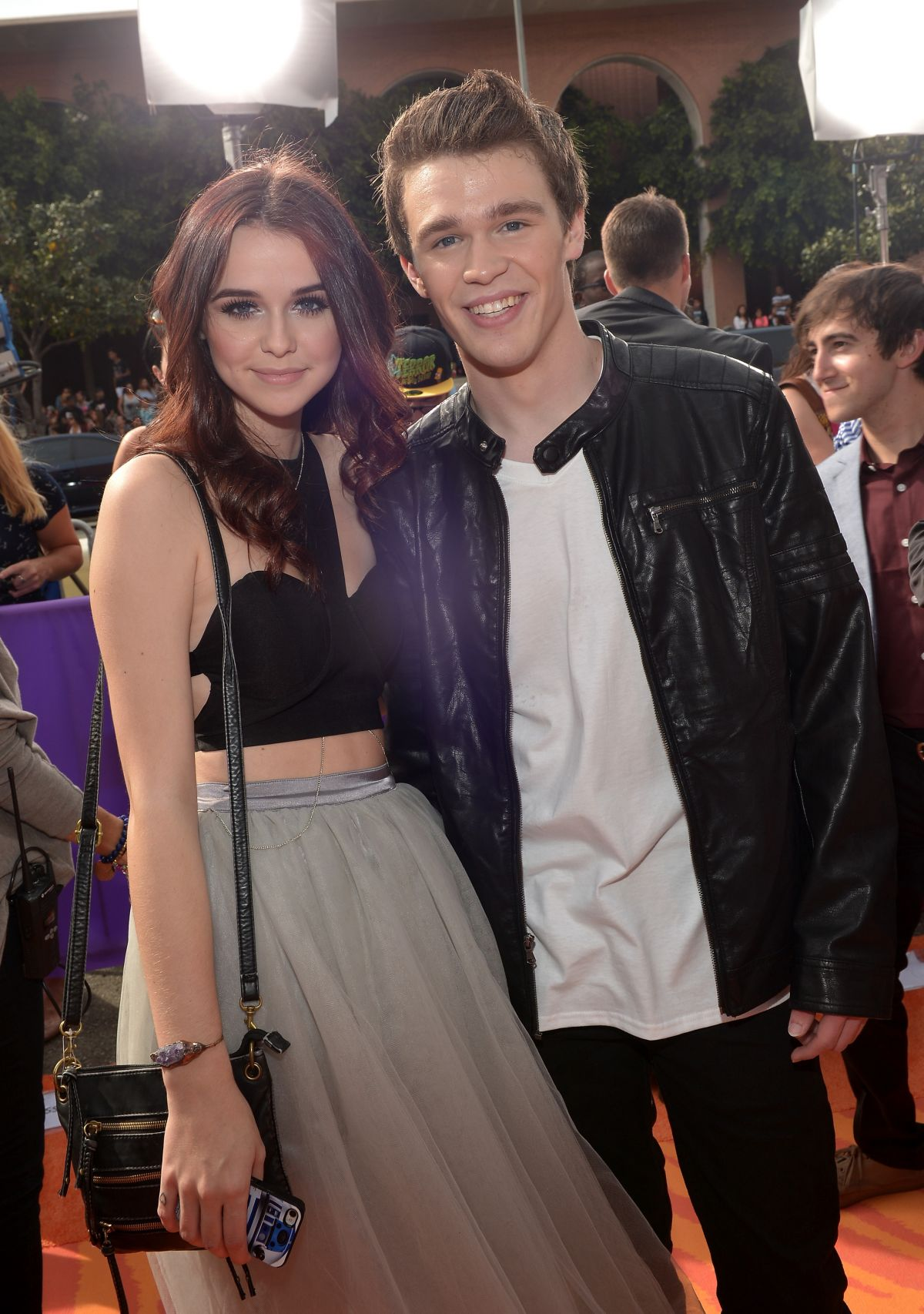 who is acacia brinley clark dating Acacia brinley clark was born october 22nd 1998 to richard and michelle clark she has two older brothers and a younger sister who was adopted her dad is a professional photographer and her.