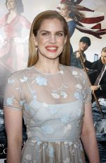 Anna Chlumsky At Veep Season 3 Premiere In Hollywood
