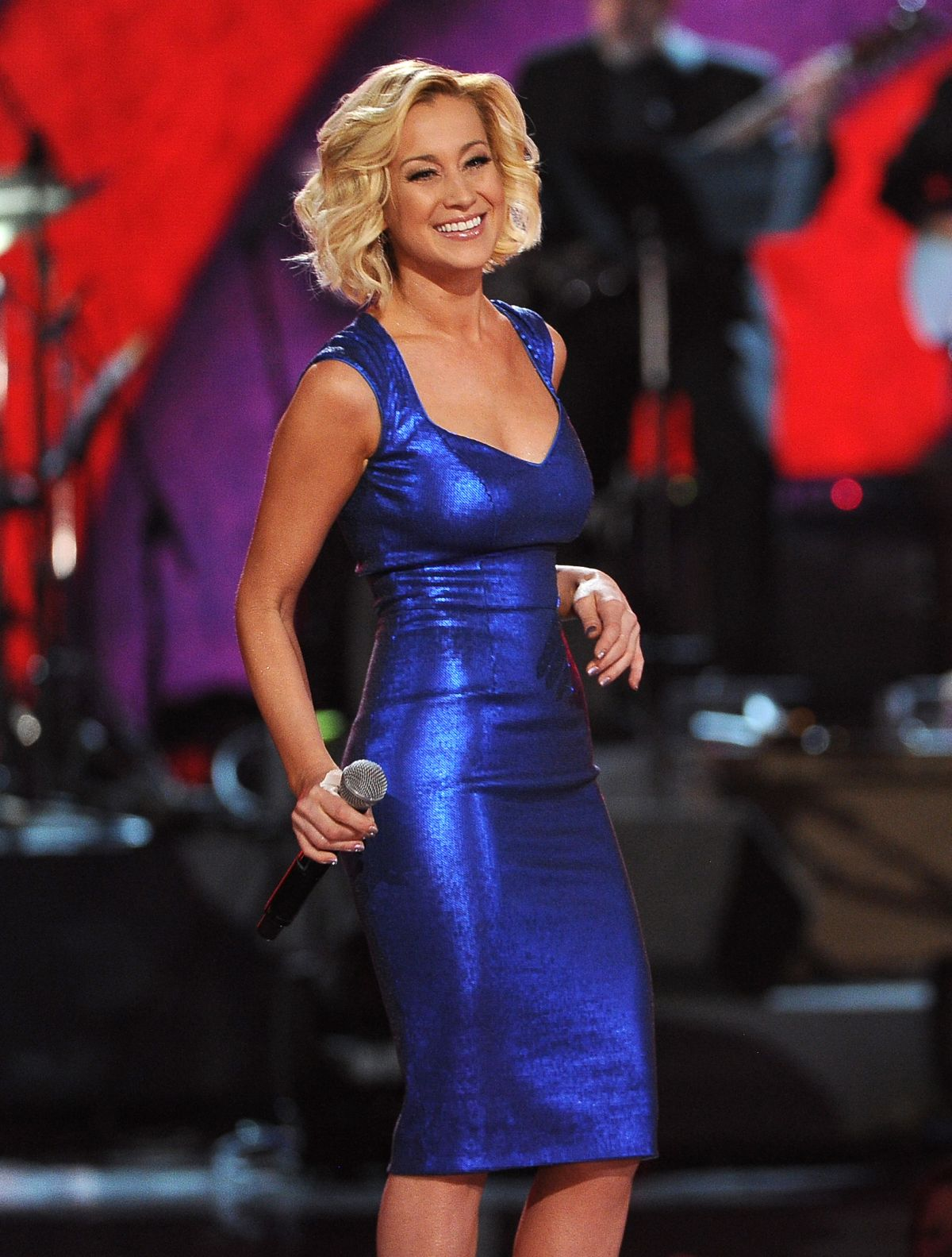 Kellie Pickler At ACM Presents An All-Star Salute To The Troops