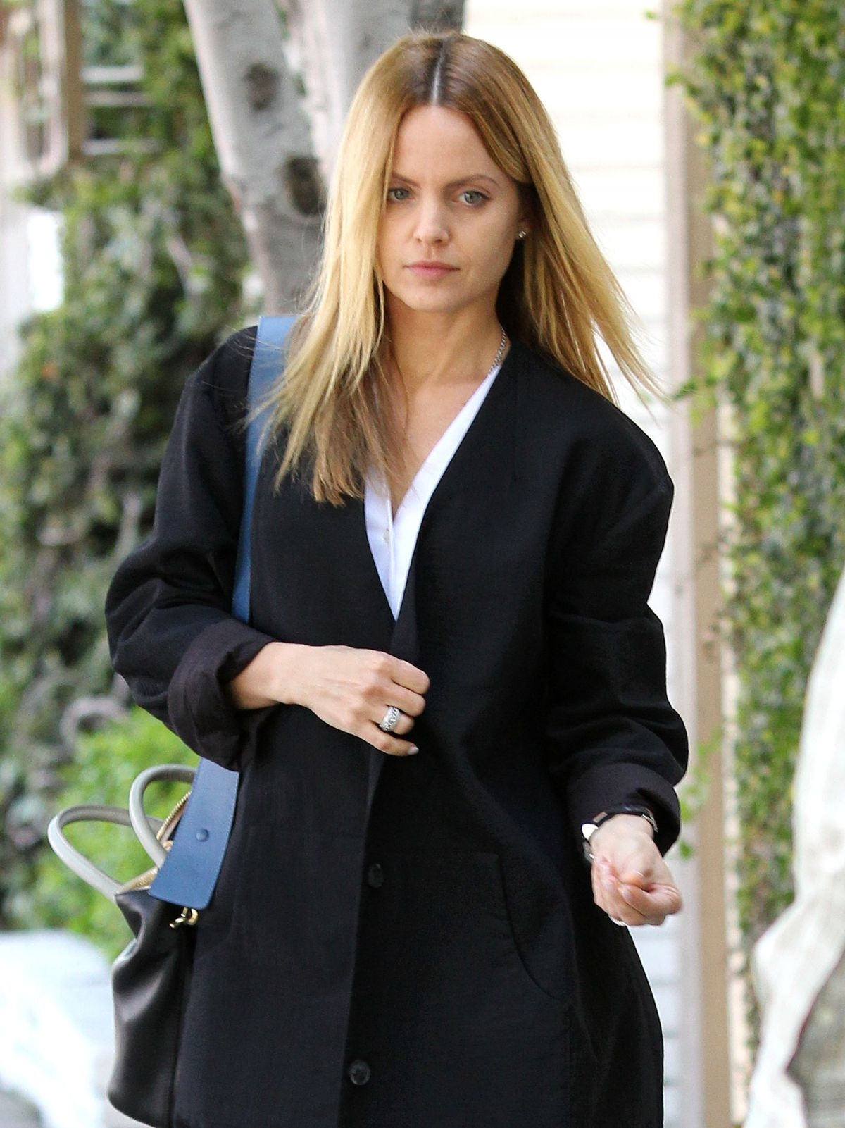 Mena Suvari Out And About Inn West Hollywood