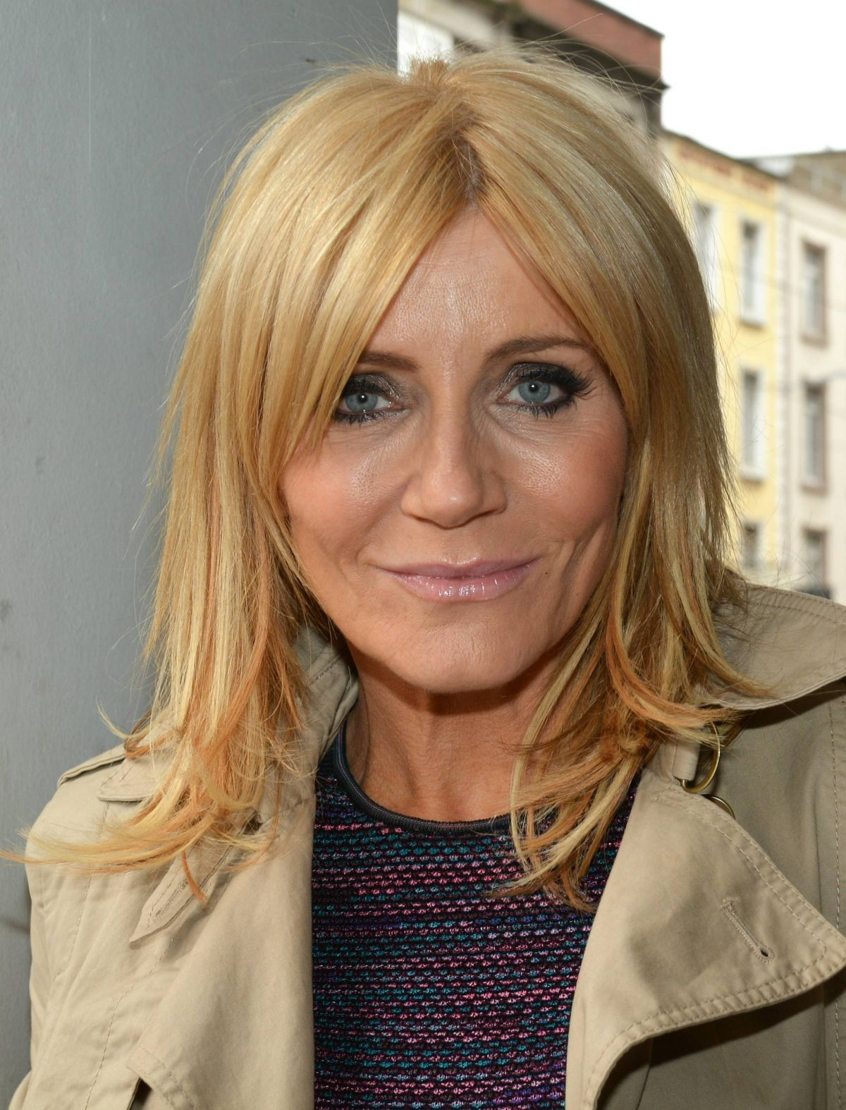 Michelle Collins At Book Signing In Dublin - Celebzz - Celebzz Britney Spears Circus