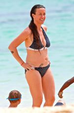 Alanis Morissette Wearing A Bikini At A Beach In Hawaii