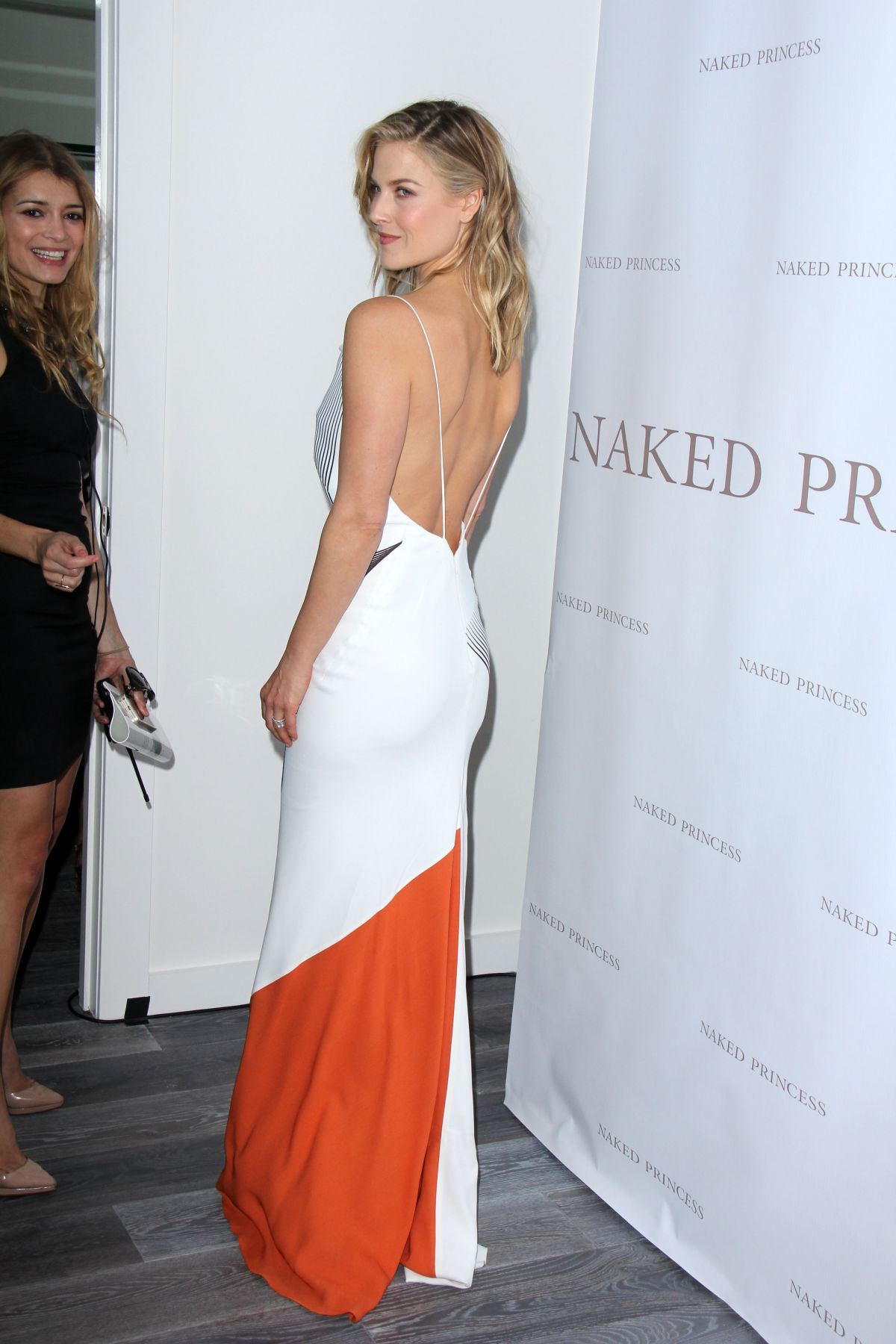 Actress Ali Larter arrives at the Grand Opening of the