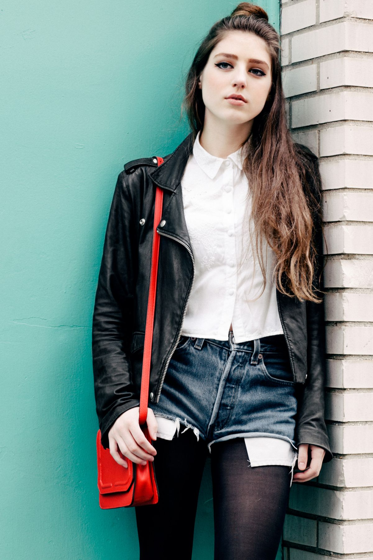 Birdy At Jens Ingvarsson Photoshoot For \u002639;Refinery29