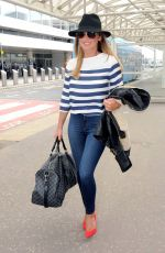 Sam Faiers Seen At The Glasgow Airport