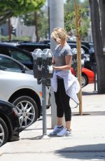 Dianna Agron Heads To The Gym In LA