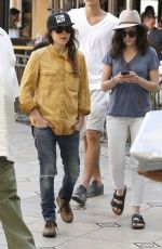 Ellen Page Shopping At The Grove In LA