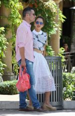 Jessica Alba Out To Eat In Beverly Hills