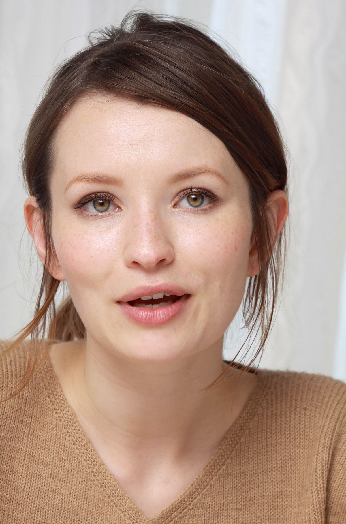 Emily Browning At 2014 Munawar Hosain Portrait Session ... Naomi Watts