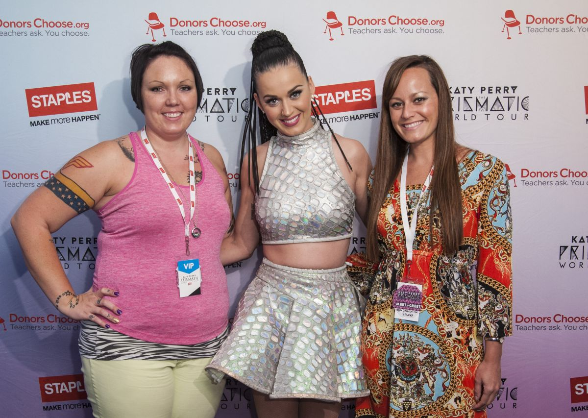 Katy Perry At Staples Donorschoose Meet And Greet Celebzz
