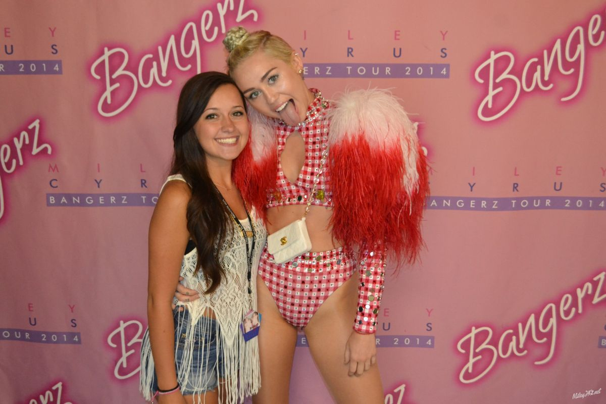 miley cyrus meet and greet tickets