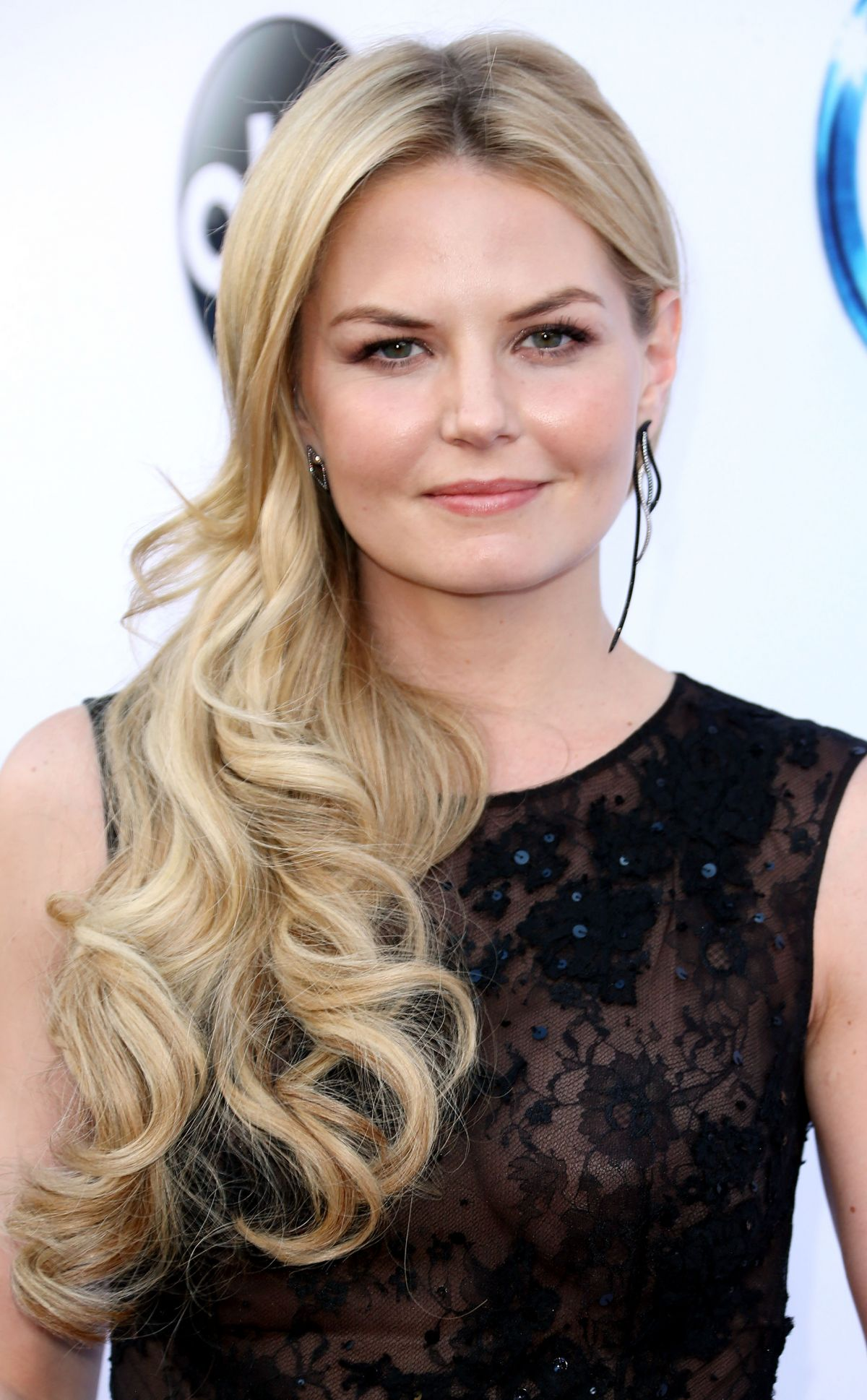 Once Upon A Time Jennifer-morrison-at-once-upon-a-time-season-4-screening-_1