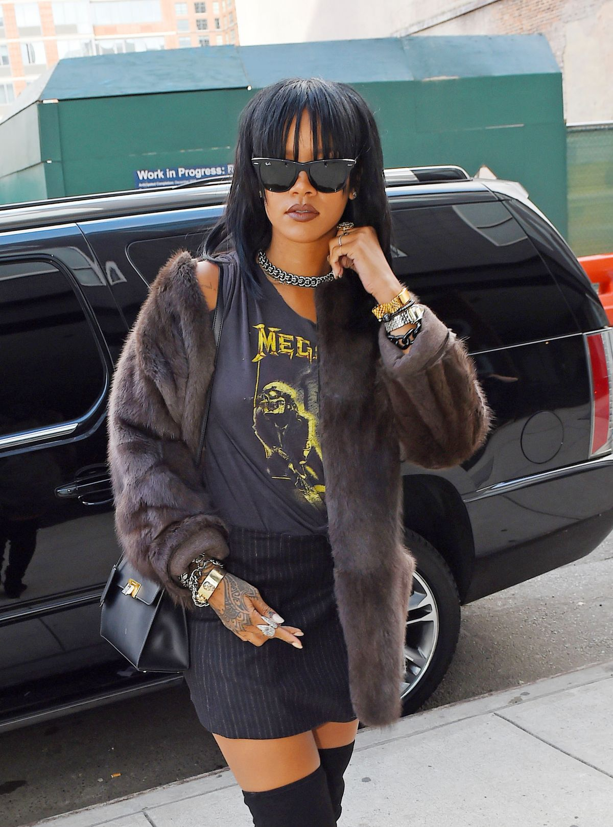 Rihanna Heading To A Recording Studio In Chelsea