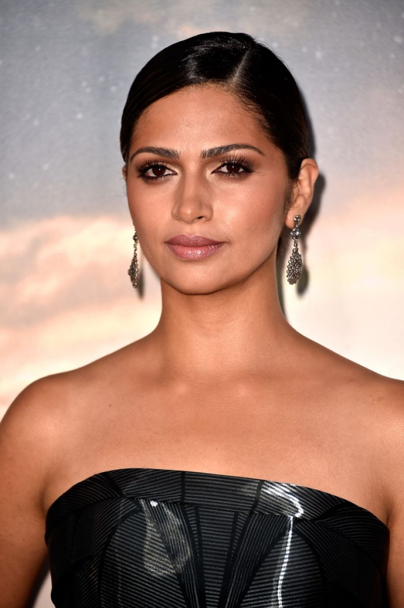 """Camila Alves At Premiere Of """"Interstellar"""" In Hollywood"""
