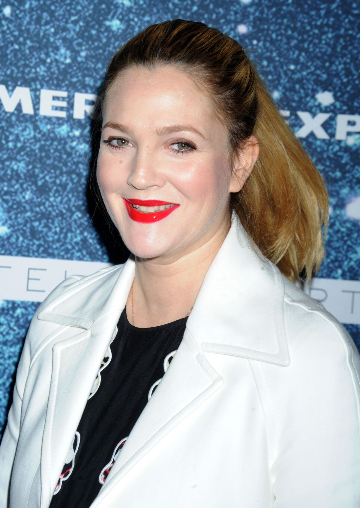Drew Barrymore At 2014 Women   s Leadership Award Honoring Stella    Drew Barrymore 2014