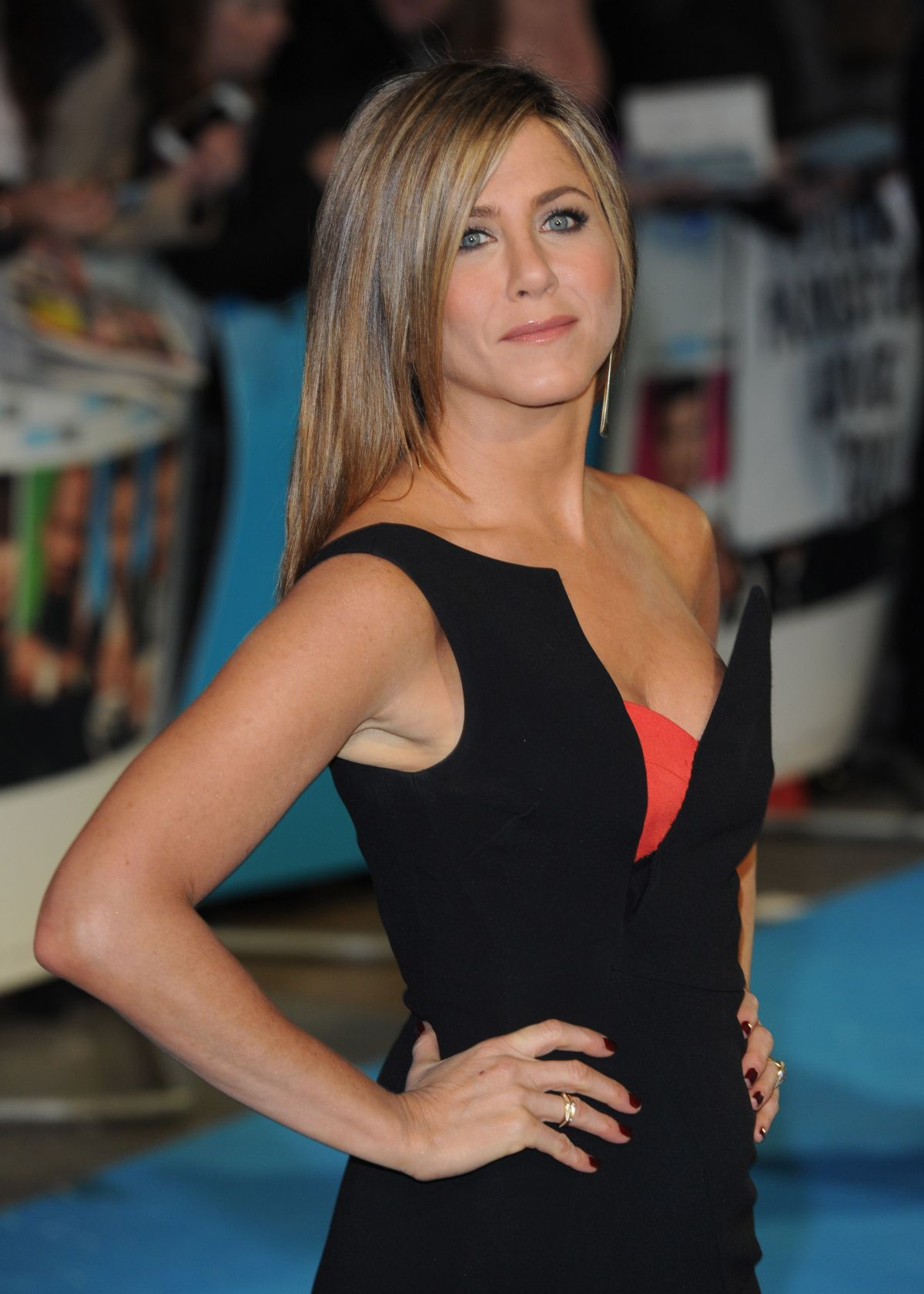 pimpandhost.com imagesize: lsp image 2 $ Jennifer Aniston At