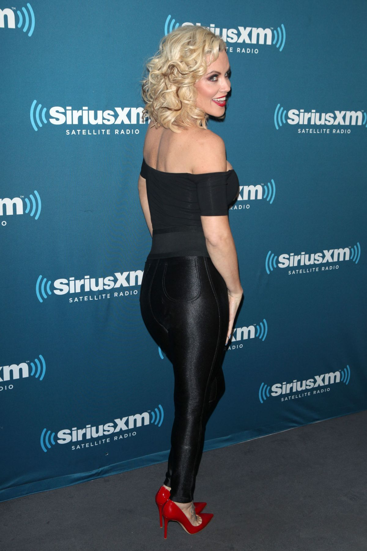 jenny mccarthy at halloween costume party at siriusxm studios - celebzz