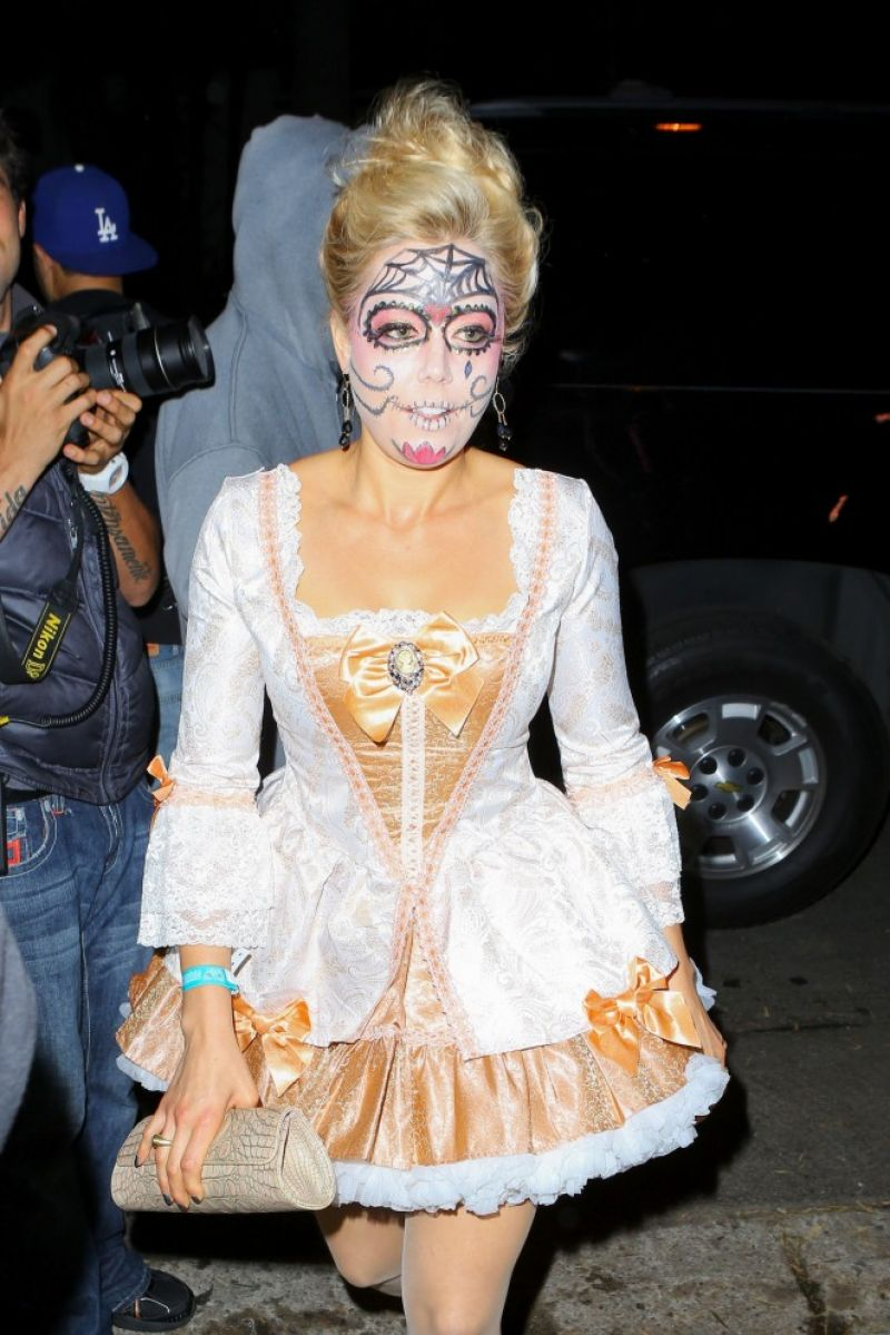 Kate Upton At Hollywood Halloween Party - Celebzz - Celebzz