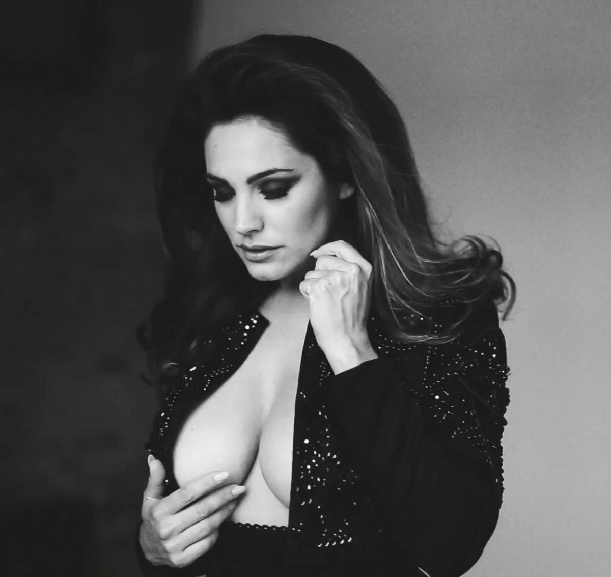 File Name : kelly-brook-in-2015-calendar-bts_35.jpg Resolution : 1200 ...