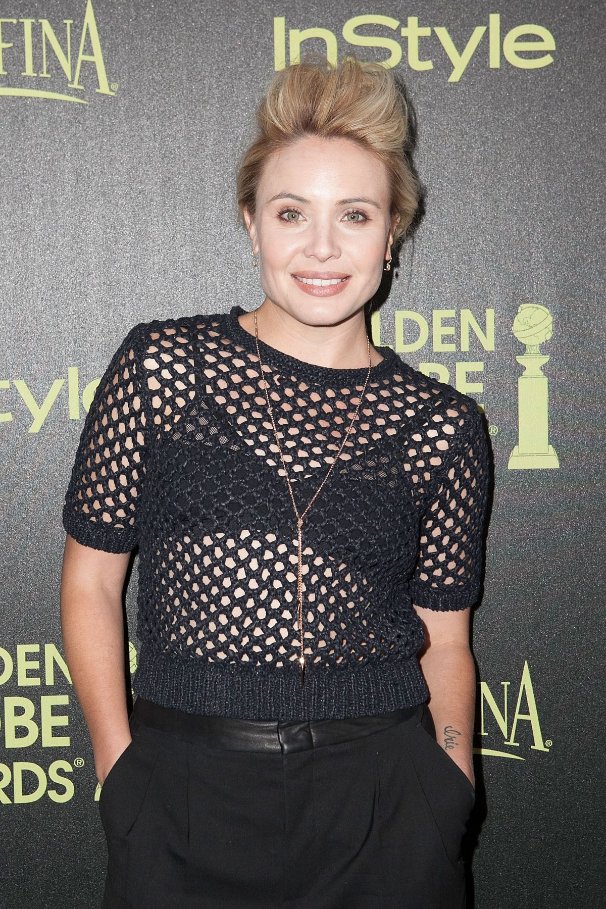 Leah Pipes Nude Photos 19