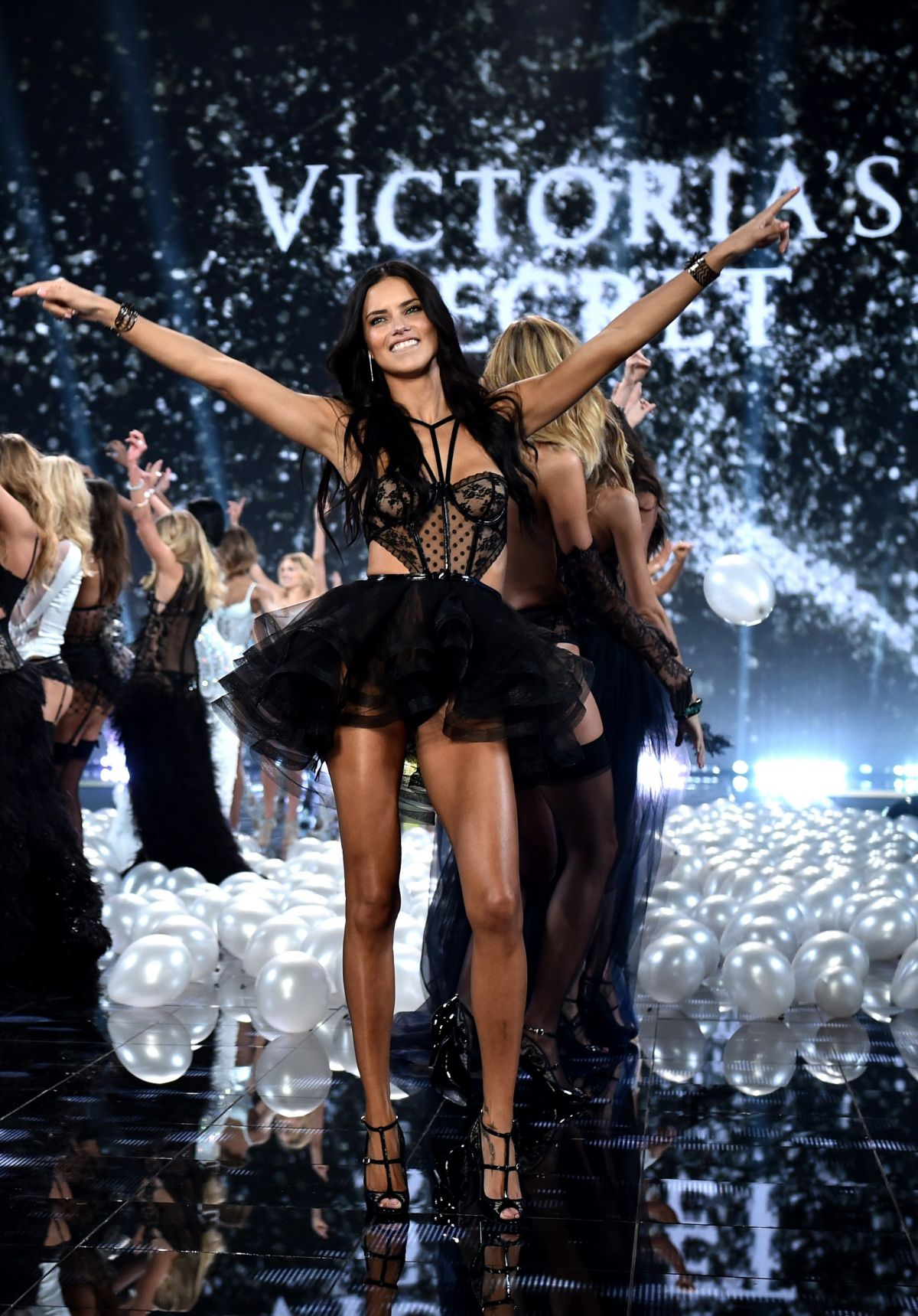 victoria secrets Victoria's secret is an american designer, manufacturer, and marketer of  women's lingerie, womenswear, and beauty products founded in 1977 as a  response.