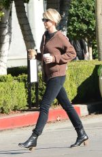 Jenna Elfman Leaving Cafe Alfred