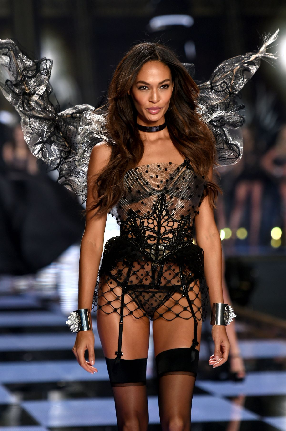 Joan Smalls At 2014 Victoria's Secret Fashion Show ...