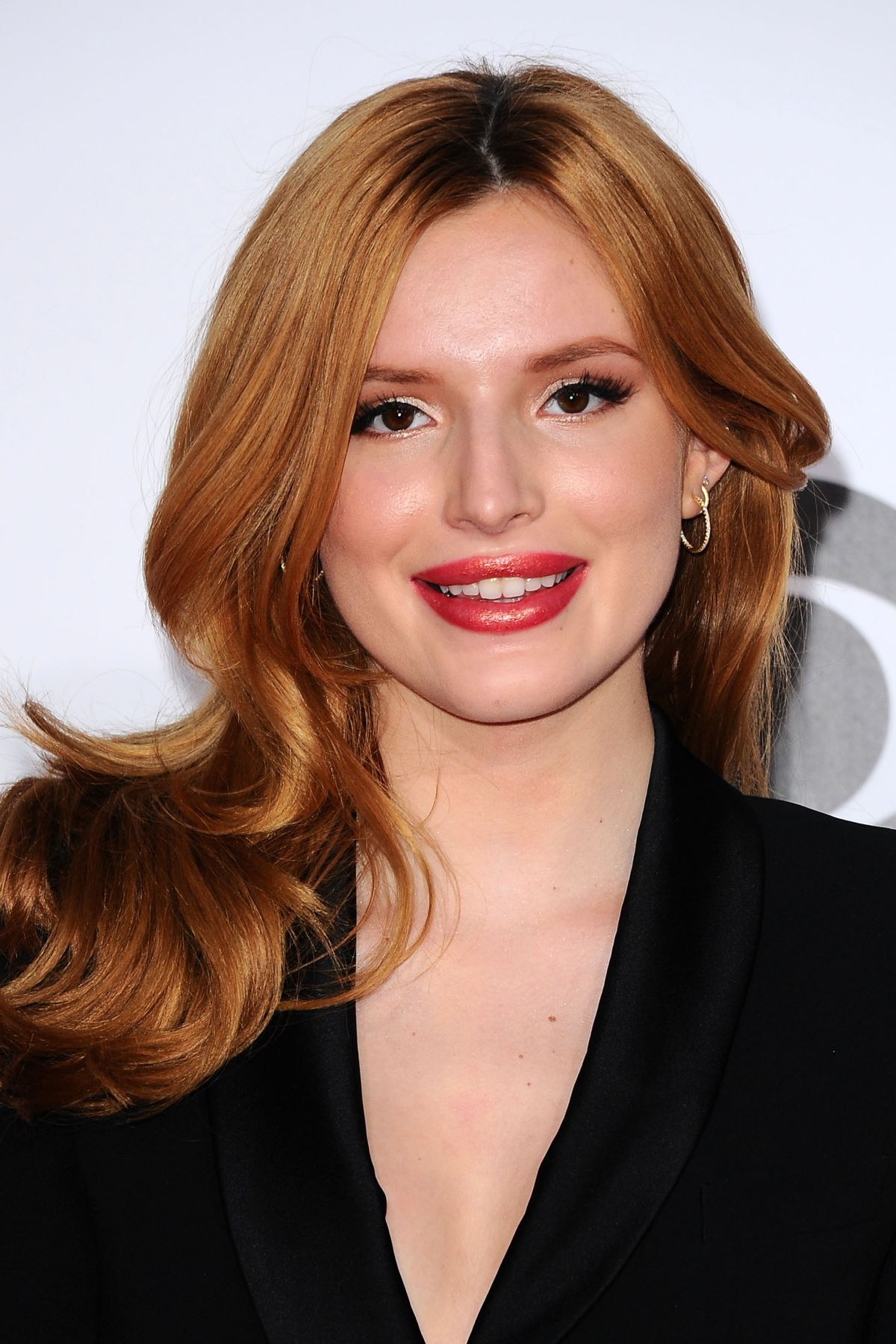 Bella Thorne At The 41st Annual People