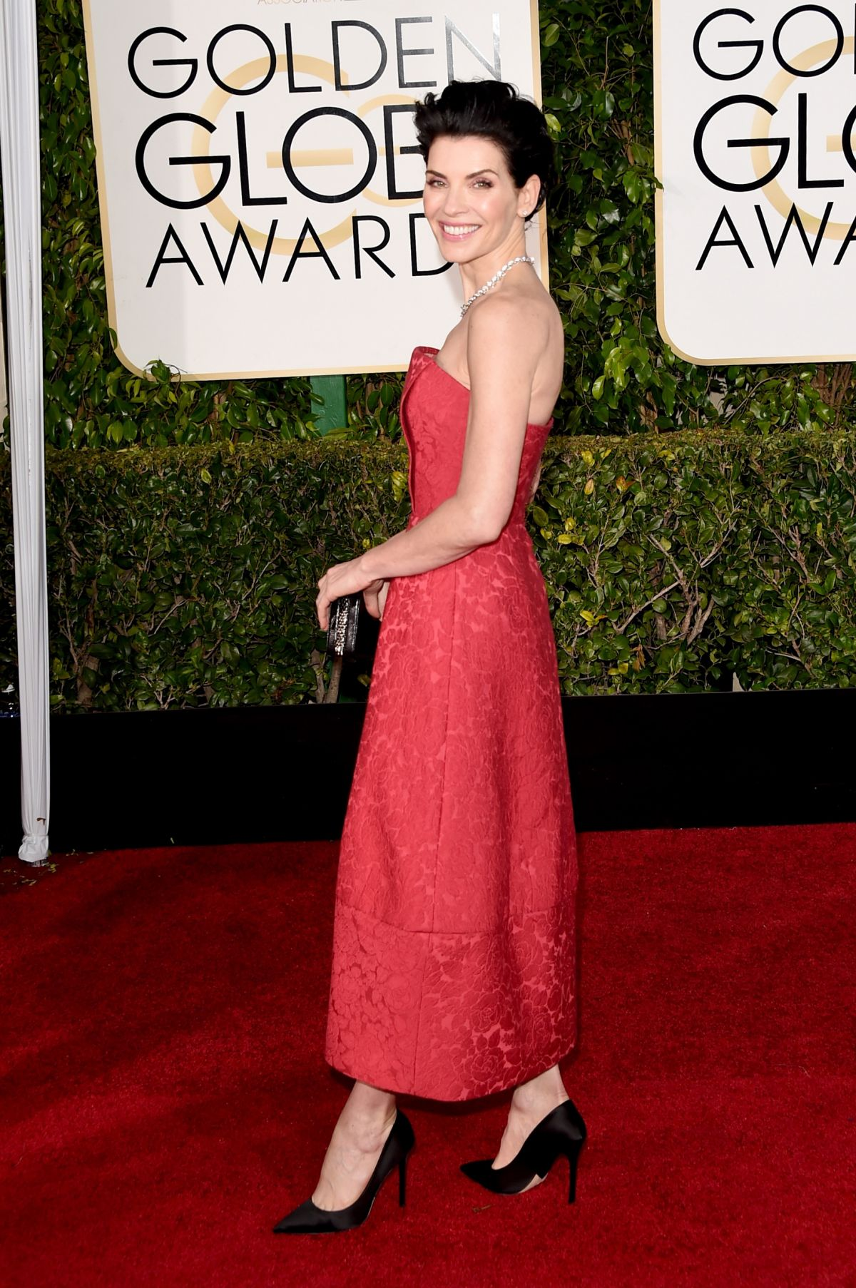 Julianna Margulies At 72nd annual Golden Globe Awards ...