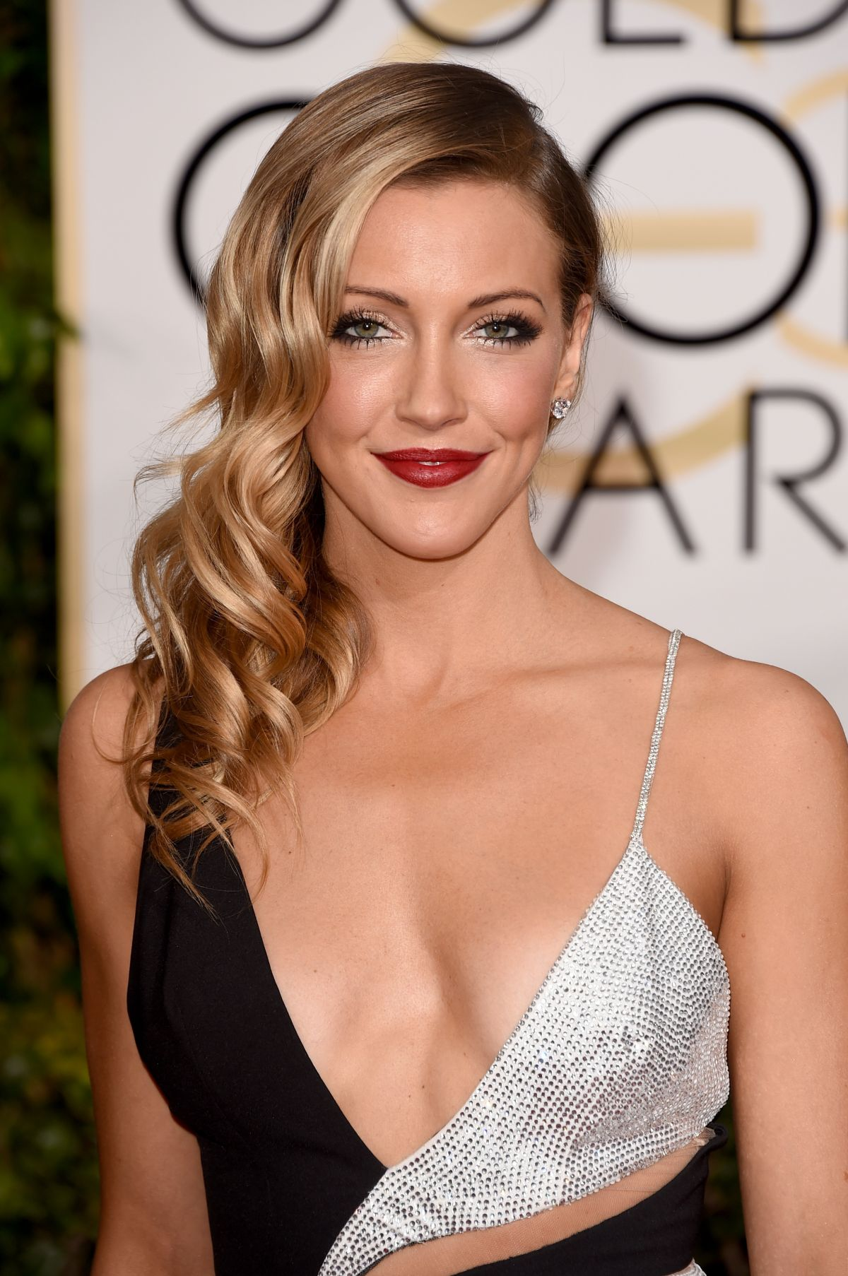 Katie Cassidy At 72nd Annual Golden Globe Awards Celebzz