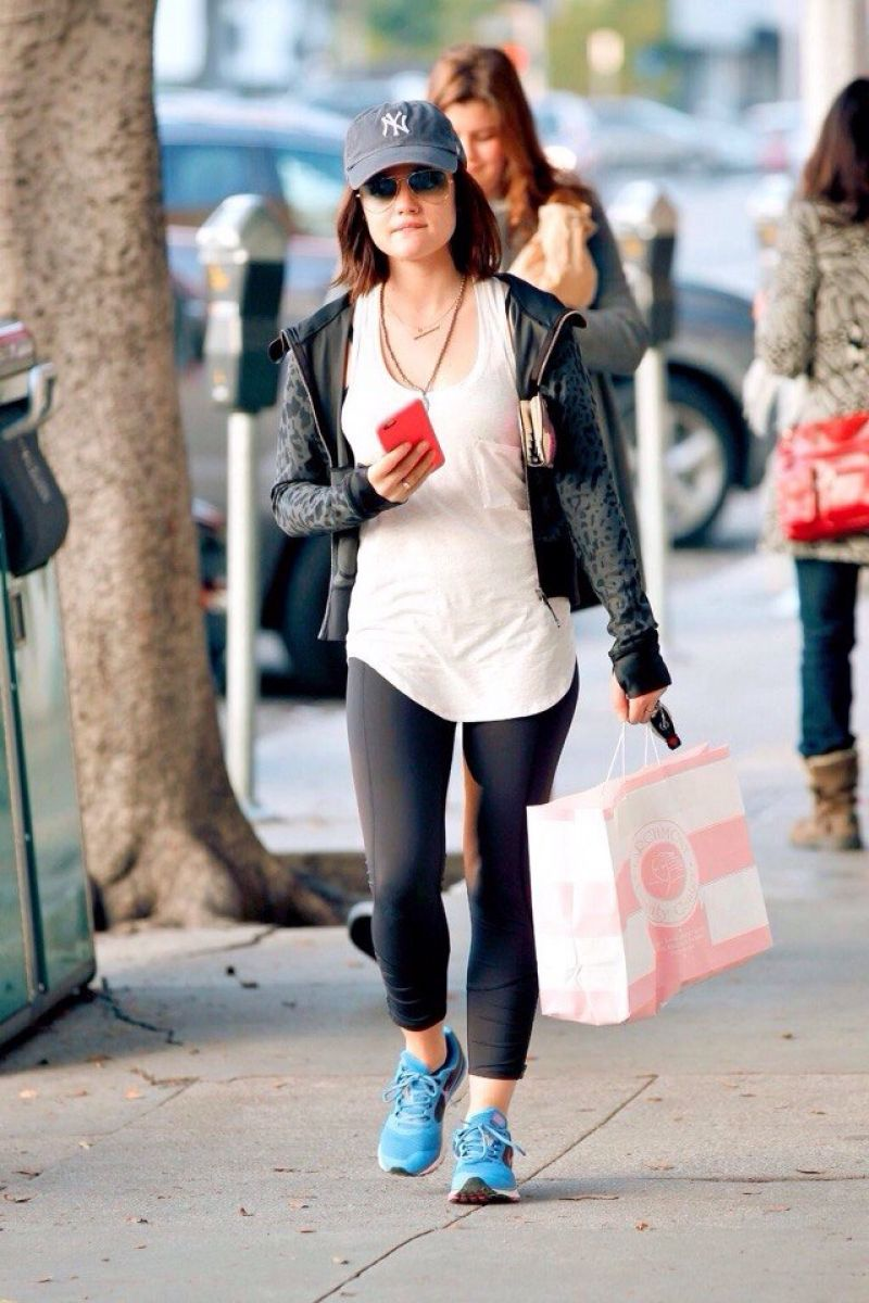 style lucy hale