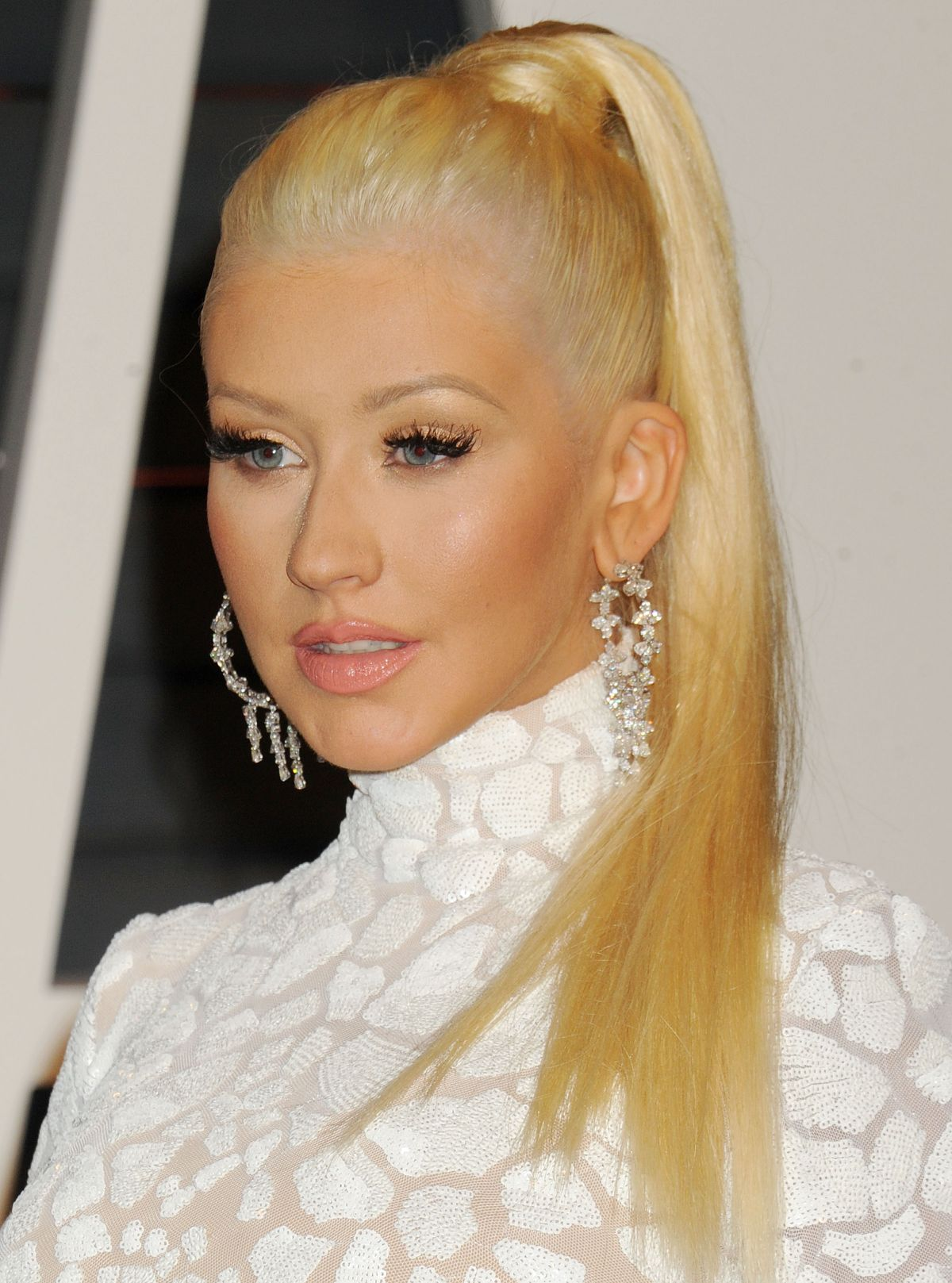 Christina Aguilera At 2015 Vanity Fair Oscar Party - Celebzz - Celebzz
