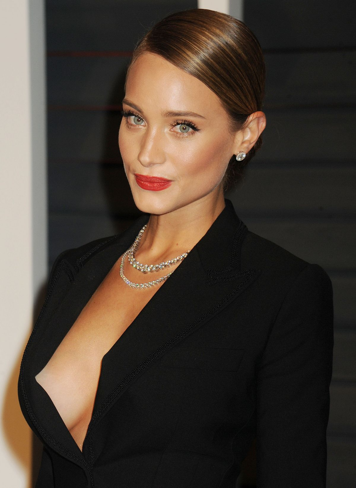 Hannah Davis At Vanity Fair Oscar Party - Celebzz
