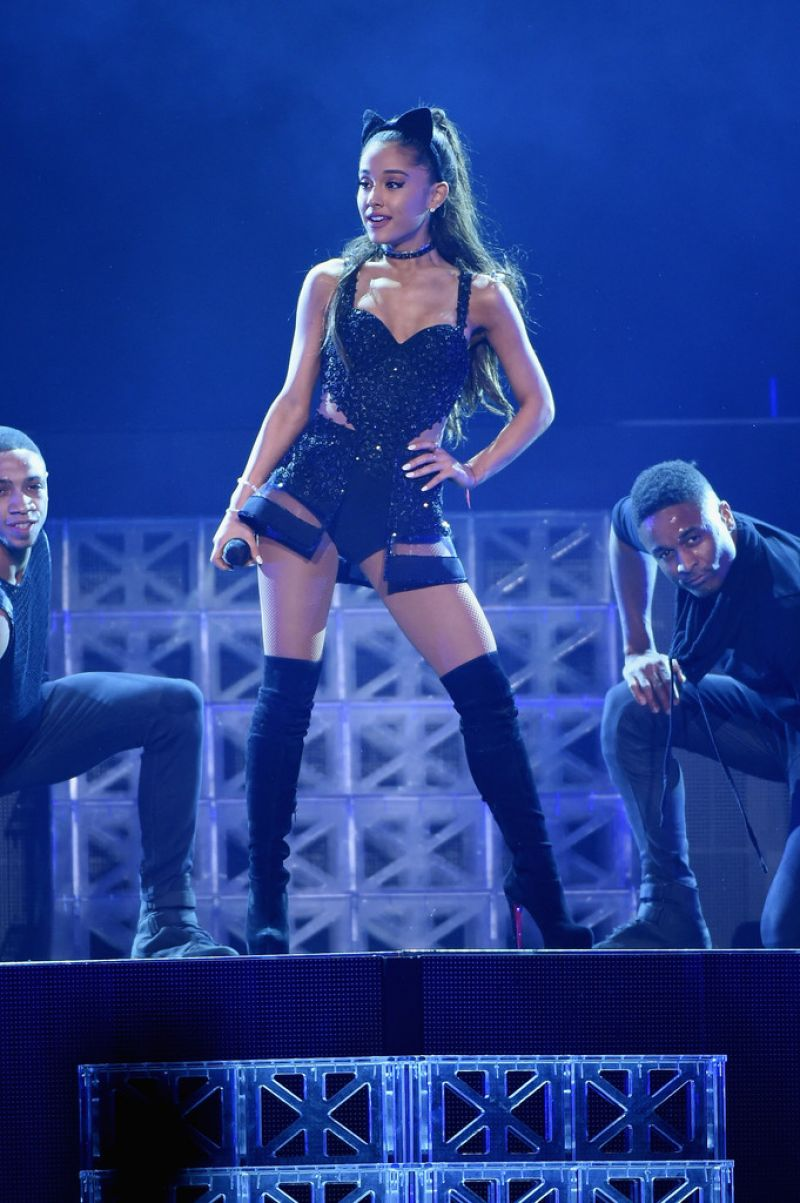 Ariana grande performing at madison square garden celebzz - Ariana grande concert madison square garden ...