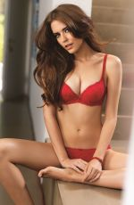 Clara Alonso In Triumph Toast To Red Collection 2014/15