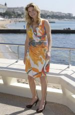 Elizabeth Mitchell At Crossing Lines Photocall