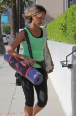 Jessica Alba At Yoga Class In Los Angeles