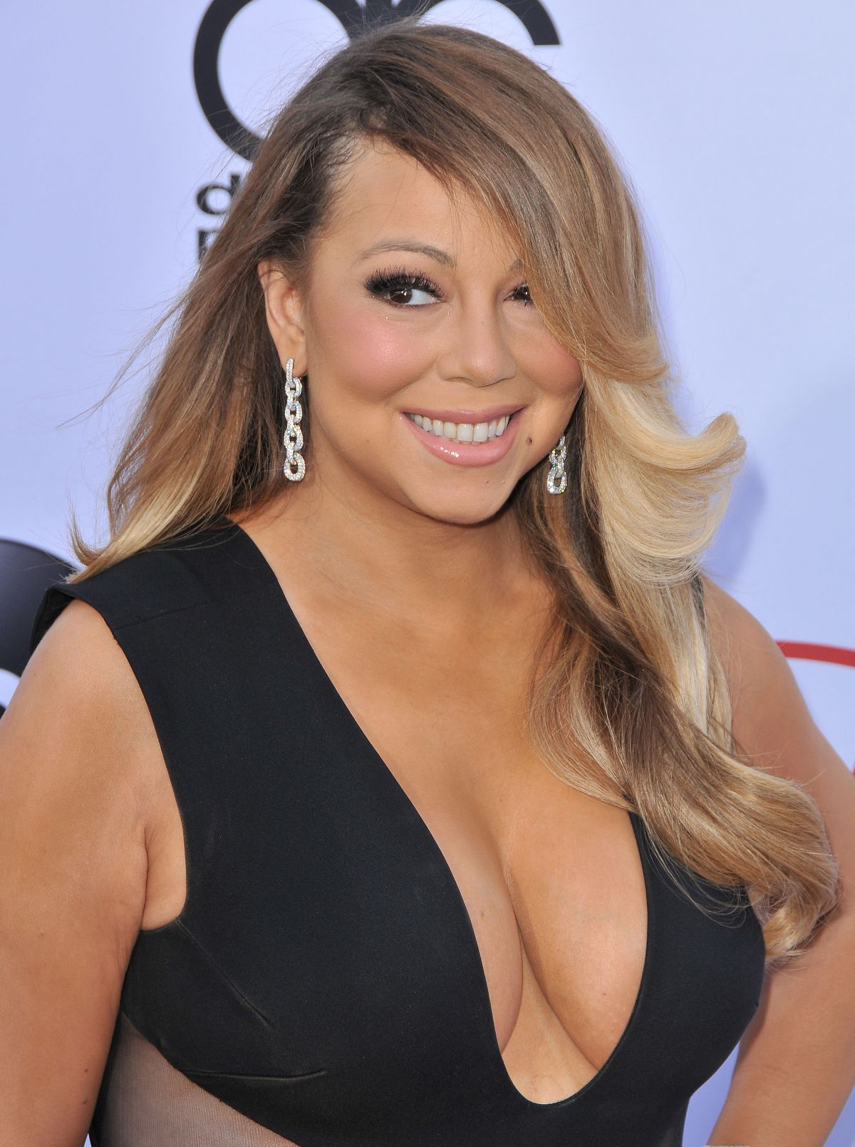 Mariah Carey At 2015 Billboard Music Awards - Celebzz - Celebzz