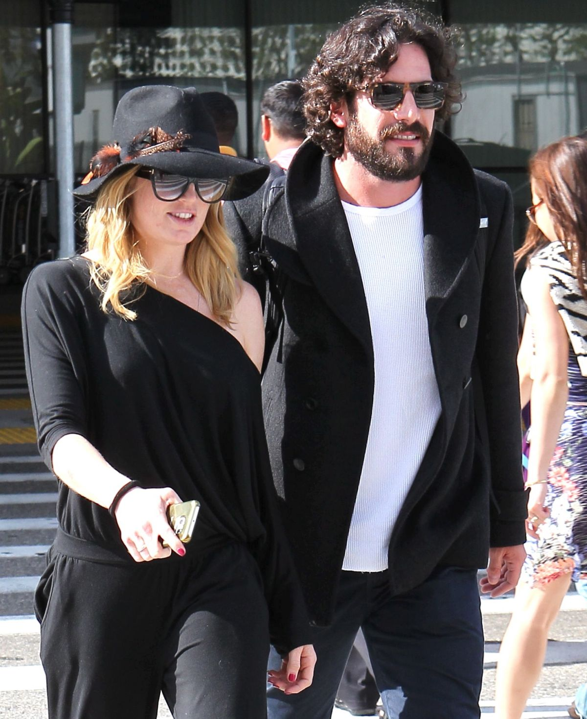 Caity Lotz Out With Her Boyfriend - Celebzz - Celebzz Kate Hudson