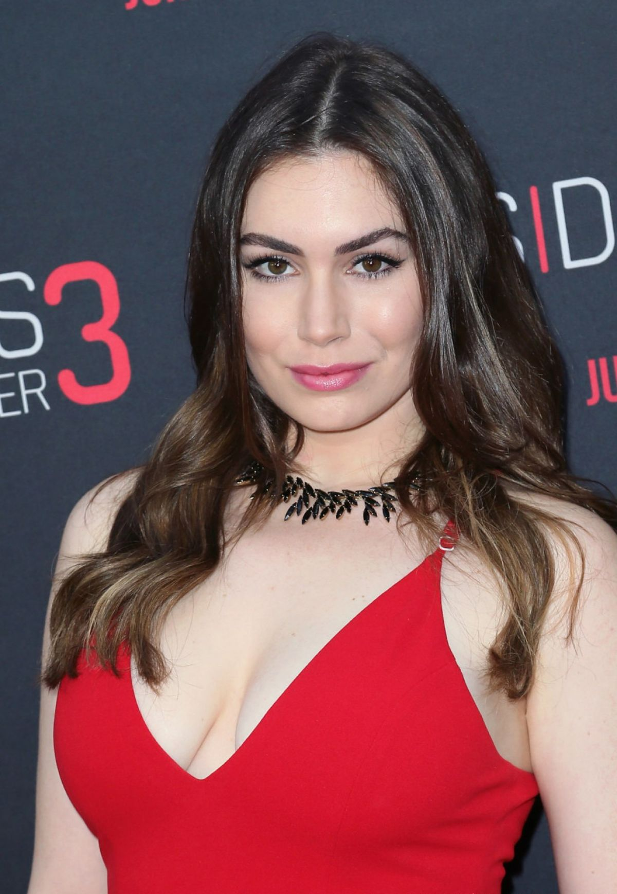 how tall is sophie simmons