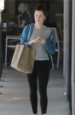 Ireland Baldwin Shopping In LA